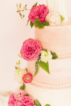 Marbled cake adorned with pink garden roses