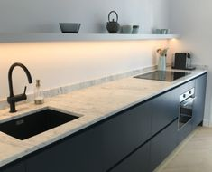 Keuken Kitchen Rules, Kitchen Stories, Home Decor Kitchen, Interior Design Kitchen, Hidden Kitchen, Küchen Design, Kitchen Styling, Cool Kitchens, Kitchen Remodel