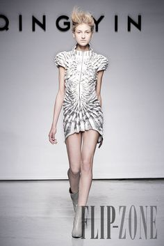 Yiqing Yin Automne-hiver 2011-2012 - Haute couture