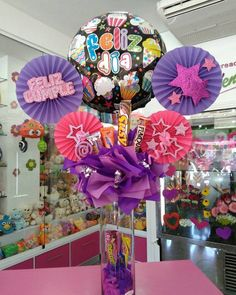 Balloon Arrangements, Balloon Decorations, Flower Decorations, Diy Birthday Box, Birthday Bouquet, Candy Bouquet, Balloon Bouquet, Valentines Surprise, Valentine Gifts