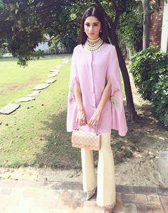 Pakistani Designer Suits, Pakistani Dress Design, Pakistani Outfits, Indian Designer Wear, Indian Outfits, Stylish Dresses, Simple Dresses, Fashion Pants, Fashion Outfits
