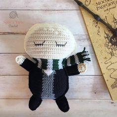 Amigurumi Crochet Ragdoll Draco Malfoy Free Crochet Pattern - Hello again! We are moving right along and onto the third post in the Hogwarts Ragdoll Collection: Draco Malfoy! Crochet Gifts, Love Crochet, Crochet Dolls, Crochet Yarn, Crochet Hoodie, Crochet 101, Draco Malfoy, Kawaii Crochet, Crochet Disney