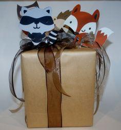 Fox & raccoon decoration