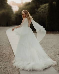 Wedding photographers (@weddingfaeriesphotography) • Instagram photos and videos How To Introduce Yourself, Curly Blonde, Curly Bob, Love Story, Hot Girls, This Is Us, How To Become, Told You So, Wedding Photography