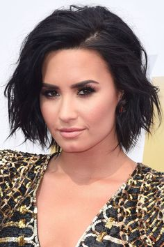 The 40 best celebrity bob and lob haircut inspirations: Demi Lovato