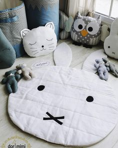 Diy Baby Gifts, Baby Crafts, Toddler Play, Baby Play, Pillow Crafts, Baby Sewing Projects, Fabric Toys, Creation Couture, Baby Pillows