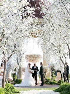 Wedding ceremony idea via Marianne Lozano Photography