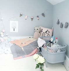 Pastel Kids / nursery Room Style / styling by Coral Atkinson for Velveteen Babies featuring our new garlands and pastel styling for baby or girls room (www.velveteenbabies.com)