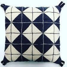 Bildresultat för skarvsöm Textiles, Folk Art, Throw Pillows, Quilts, Embroidery, Sewing, How To Make, Inspiration, Pillows