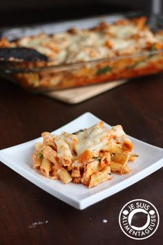 Ricotta Spinach Penne Pasta Bake - I used frozen spinach and minced garlic instead of fresh and powder. I also tossed some Italian seasonings. Baked Penne Pasta, Pasta Bake, Vegetarian Pasta Recipes, Cooking Recipes, Good Food, Yummy Food, How To Cook Pasta, Pasta Dishes, Italian Recipes