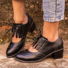 British Women Oxfords High Chunky Block Heels Pumps Brown PU Round Toe Designer Brogues Casual Office Lady Lace-up Vintage Shoes Black Oxfords, Black Leather Shoes, Brogues, Gland, Loafers Online, Thick Leather, Lace Up Heels, Vintage Shoes, Women's Pumps