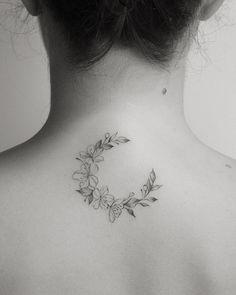 Feminine tattoos so that you can resolve your - Tattoos for Couples,Tattoos for Women Tattoo Girls, Cute Girl Tattoos, Girl Back Tattoos, Pretty Tattoos, Tattoos For Guys, Woman Tattoos, Mini Tattoos, Little Tattoos, Small Tattoos