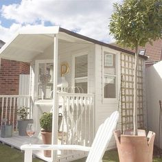 Shed.. ♥♥ White with neutral accents