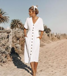 70 Ideas for fashion vintage modern beautiful Source by Mode Outfits, Chic Outfits, Dress Outfits, Fashion Outfits, Fashion Ideas, Vintage Modern, Mode Vintage, White Midi Dress, White Dress Summer
