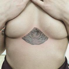Tree rings sternum tatts. Pinterest: • Marta Krusell •