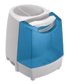 Hunter 32200 2-Gallon Evaporative Humidifier with PaperWick        Breathe easier and sleep more comfortably with this basic evaporative cool-mist humidifier. Designed for large rooms up to 1175 square feet, it offers an exclusive easy-to-fill Tote Away tank with a built-in handle and an output capacity of 2 gallons every 24 hours. Easily turn the dial to set the fan to one of two ...  http://www.amazon.com/dp/B000Z4EFKW/?tag=pintr104-20