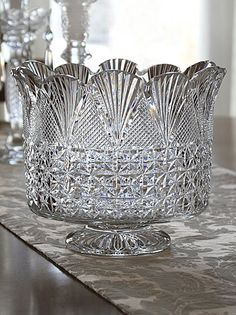 Waterford Masterworks Trifle Bowl ~I only want to collect the vintage sets made in Waterford, Ireland Waterford Crystal, Crystal Glassware, Crystal Vase, Crystal Decor, Cut Glass, Glass Art, Crystal Collection, Carnival Glass, Vintage Glassware