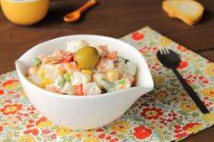Ensaladilla rusa con gambas, ¡disfruta del marisco!  #cocinaespañola #recetasespañolas #gastronomíaespañola #ensaladillarusa #ensaladillarusacongambas