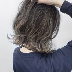 Hair Colour Design, Hair Color, Medium Hair Styles, Short Hair Styles, How To Curl Short Hair, Hair Arrange, Hair Shades, Silky Hair, Hair Highlights