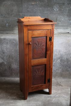 Small Pie Safe with Tin - Peaceful Valley Amish Furniture - woodwork - Home Furniture Online, Amish Furniture, Primitive Furniture, Country Furniture, Farmhouse Furniture, Repurposed Furniture, Cheap Furniture, Furniture Making, Vintage Furniture