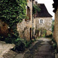 Depósito Santa Mariah: Arquitetura e Jardins Franceses!
