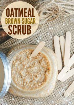 Make Your Own Oatmeal Brown Sugar Scrub - Diy Makeup Vanilla Sugar Scrubs, Brown Sugar Scrub, Homemade Oatmeal, Sugar Scrub Homemade, Homemade Vanilla, Body Scrub Recipe, Sugar Scrub Recipe, Oatmeal Scrub, Oatmeal Bath