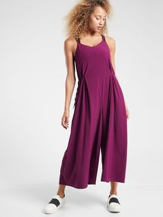 Find Our Favorite Athleisure Clothing Items When You Shop with Sherry Summer Pants Outfits, Yoga Pants Outfit, Cute Outfits, Outfit Summer, Summer Clothes, Summer Dresses, Best Ankle Boots, One Piece Jumper, Travel Pants