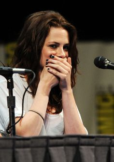 """Pin for Later: Yes, Kristen Stewart Can Make More Than 1 Face The """"OMG"""" Moment"""