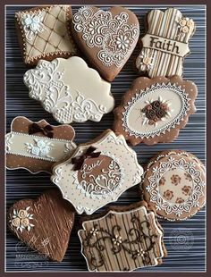 Brown and Ivory Lace Cookies Lace Cookies, Royal Icing Cookies, Fun Cookies, Cupcake Cookies, Sugar Cookies, Decorated Cookies, Cupcakes, Galletas Cookies, Vintage Cookies