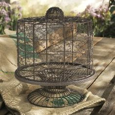 10 Hot Wedding Trends for 2013--#6 Chicken Wire: cake stand (www.3d-memoirs.com) #chicken_wire #weddings