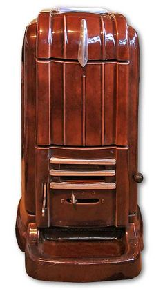 Art Deco wood burning stove from the The finish is enamel and it will burn wood, coal or coke, making it very versatile. Antique Wood Stove, How To Antique Wood, Vintage Wood, Fireplaces Uk, Cast Iron Stove, Vintage Stoves, Vintage Appliances, Art Deco Buildings, Wood Stoves