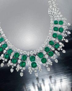 Diamond Necklaces : christies Jewelry Auctions New York Emerald Necklace, Emerald Jewelry, High Jewelry, I Love Jewelry, Diamond Jewelry, Jewelry Design, Diamond Necklaces, Silver Jewelry, Bulgari Jewelry