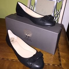 ⚡️ authentic VINCE CAMUTO black flats Authentic Vince Camuto black flat NEVER BEEN WORN BE THE FIRST TO WEAR THEMsize 9.5 they run small so if your a 9 this would fit you perfectly NWOT Vince Camuto Shoes Flats & Loafers