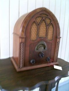 SOLD Atwater Kent 82 Cathedral Radio 375.00USD + (37.50)