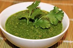 Cilantro MintChutney Spicy Recipes, Indian Food Recipes, Ethnic Recipes, Veg Appetizers, Speed Up Metabolism, Fabulous Foods, Vegan Dishes, Chutney, Cilantro