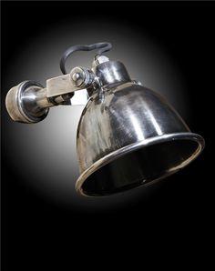 Landelijke wandlamp, leuk in toilet. Of toch de zwarte kleur?