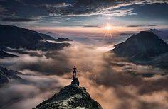 Max Rive's mountain photography series reminds me of a modern day version of Wanderer above the Sea of Fog (composed in 1818 by the German Romantic artist Caspar David Friedrich - see it. Landscape Photos, Landscape Photography, Travel Photography, Outdoor Photography, Photography Tips, Top Photos, Pictures, David Et Goliath, Mountain Photography