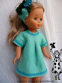 Look Of The Day – Fashion Style Magazine American Girl Outfits, Ropa American Girl, American Girl Crafts, Sewing Doll Clothes, Sewing Dolls, Vestidos Nancy, Nancy Doll, Spanish Girls, Disney Animator Doll