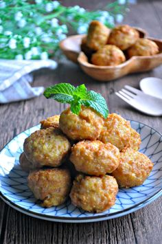 Tofu Meatballs or LazyMan Meatballs 豆腐肉圆 / 懒人肉圆 - Eat What Tonight Tofu Recipes, Meatball Recipes, Asian Recipes, Vegetarian Recipes, Cooking Recipes, Ethnic Recipes, Cooking Dishes, Yummy Recipes, Recipies