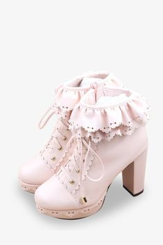 Vintage Rüschen Plateauschuhe in Pink - High Heels Cute Shoes, Me Too Shoes, Women's Shoes, Shoe Boots, Pink Shoes, Pretty Shoes, Pastel Goth Shoes, Pastel Clothes, Platform Shoes Heels