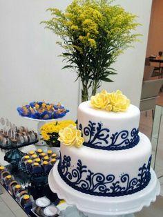Casamento amarelo e azul - lindo bolo