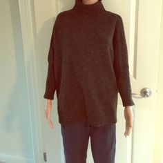 TSE cashmere sweater SALE ❣ Beautiful boxy cashmere sweater. Like all TSE sweaters you will want to wear this and sleep in it. Beautiful brown with flecks of colors. Loose fitting through body with slimmer fitting sleeves to show off one's arms. Happy to bundle. Just ask. ❣ TSE Sweaters Cowl & Turtlenecks