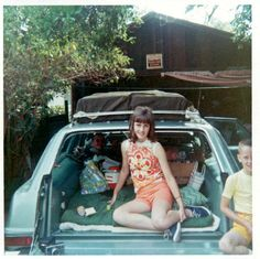 Color Snaps That Capture Daily Life of Teenage Girls in the Swinging Sixties ~ Vintage Everyday 32 Cool, Girls Slip, Famous Girls, I Love Girls, Station Wagon, Girl Pictures, Vintage Photos, Cool Photos, Poses