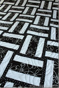 Super easy variation of the Rail Fence quilt that adds so much interest