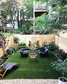 Gorgeous Small Backyard Garden Landscape For Your Inspiration Small Backyard Design, Backyard Patio Designs, Small Backyard Landscaping, Backyard Projects, Landscaping Ideas, Narrow Backyard Ideas, Simple Backyard Ideas, Small Outdoor Spaces, Fenced In Backyard Ideas