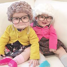 This cracks me up! What a funny and ADORABLE DIY halloween costume for kids. Cute costume ideas for baby, kids, and toddlers. Love these unique kid's Halloween costume ideas. Old Lady Halloween Costume, Diy Halloween Costumes For Kids, Cute Halloween Costumes, Halloween Kostüm, Costumes For Women, Costumes For 3 People, Halloween Makeup, Family Halloween, Children Costumes