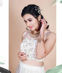 Anju Kurian is an Indian film actress who appears mainly in Malayalam films. Kavi Uddheshichathu and the 2018 film Njan Prakashan. . Follow us at instagram @reelpettiofficial www.reelpetti.com . #priyankamohan #reelpetti #reels #reelpetty #reelsinstagram #actressgallery #actress #tamilactress #kollywoodactress #tamilcinema #cinemagallery #cinewoods #tollywood #mollywood #behindwoods #டோலிவுட் #கோலிவுட் #ரெஜினா #சினிமா #சினிமாசெய்திகள் #தமிழ் சினிமா #தமிழ்ஆக்டர்ஸ் #தமிழ்நடிகைகள் Celebrity Photography, Lehenga Blouse, Indian Film Actress, Indian Designer Wear, Crop Tops, Tank Tops, Blouse Designs, Beautiful Dresses, How To Look Better