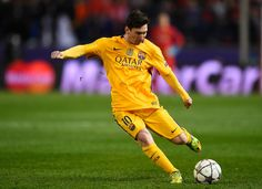 Lionel Messi of Barcelona shoots during the UEFA Champions League quarter final, second leg match between Club Atletico de Madrid and FC Barcelona at the Vincente Calderon on April 13, 2016 in Madrid