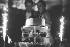 Our wedding cake: Cake and a lots of different cupcakes. V60 Coffee, Tree Branches, Our Wedding, Wedding Cakes, Art Pieces, Cupcakes, Weddings, How To Make, Inspiration