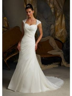 Ivory A-line Sweetheart Court Train Lace Organza Wedding Dress